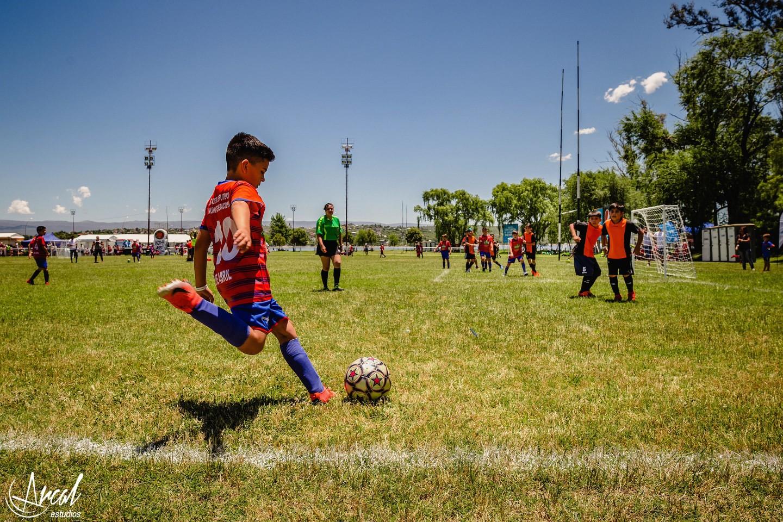 012-fotografi-a-evento-de-fu-tbol-pasion-de-multitudes-carlos-paz-rugby-babel-viajesa-86397