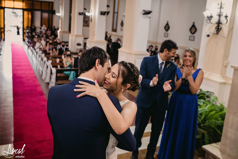 092_Lourdes y Rodrigo; boda en pandemia, iglesia católica parroquia de jesus maría, evento en estancia el rosal, agua de oro, córdoba
