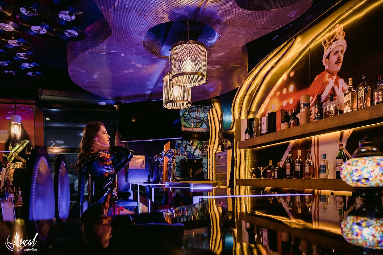 Constanza Paravano, book de 15 en rock me beer carlos paz, quinceañera en velero en lago san roque, hotel mon petit_002A