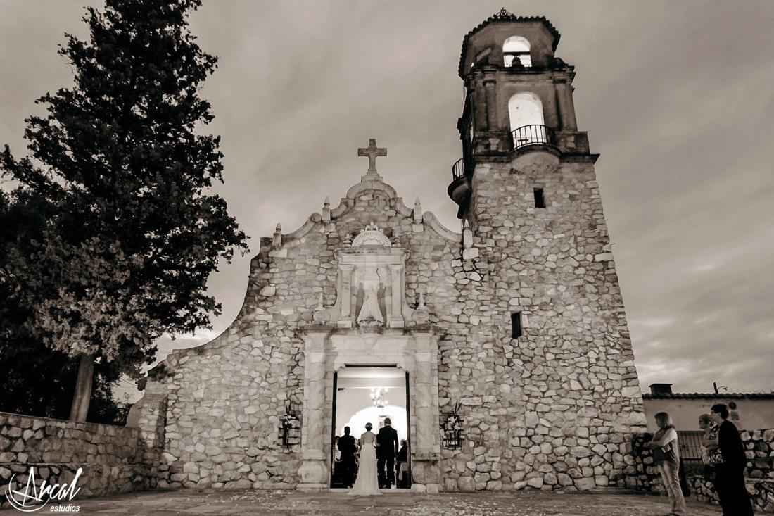 043-melina-y-mauricio-casamiento-iglesia-malaguen-o-la-lucia-salo-n-de-eventosa-48481